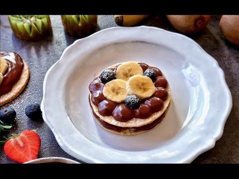 Milhojas de hojaldre con chocolate y frutas